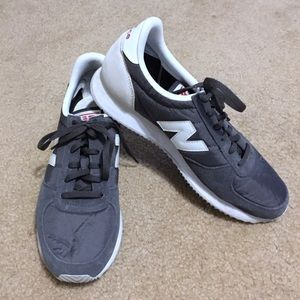 New Balance Sz 8.5 220 Sneakers *no insole*
